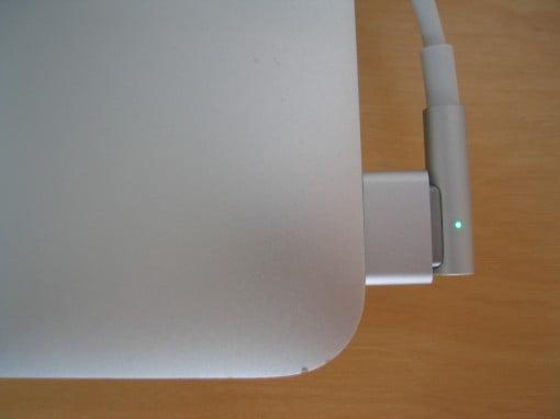 Adapter von MagSafe auf MagSafe 2 liegt bei