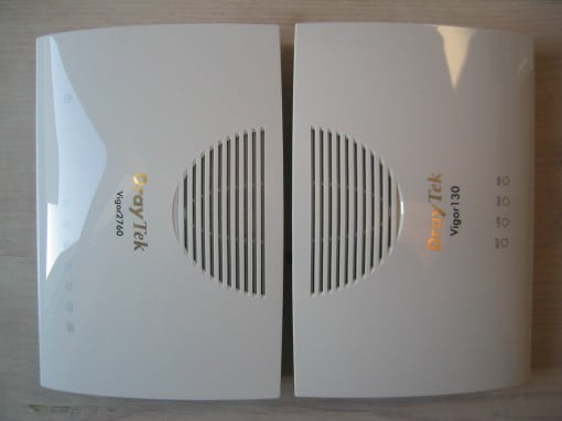 Router Draytek Vigor 2760 genauso groß wie das Modem Vigor 130