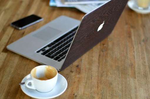 glitty Wenge Holz MacBook