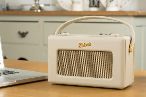 Roberts Radio Revival iStream 2 beige