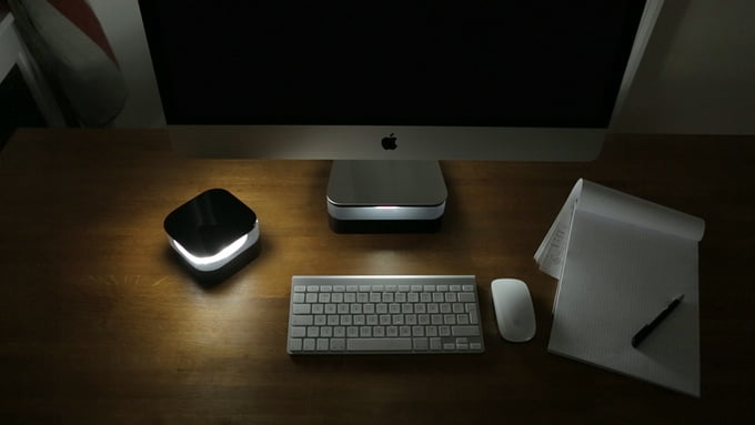 es werde licht imac stand mit integrierter leuchte mac egg. Black Bedroom Furniture Sets. Home Design Ideas