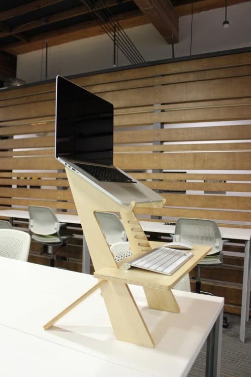 MacBook Halter im Stehen arbeiten