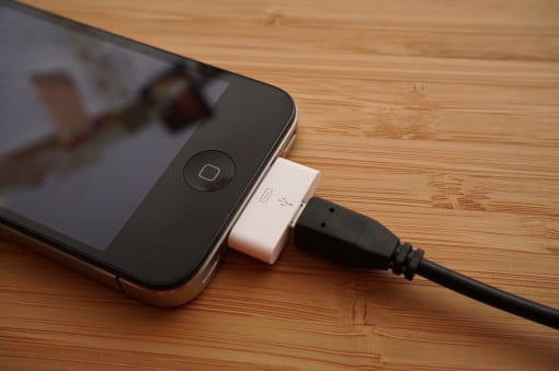 iPhone 4S mit Adapter