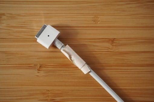 Apple Netzteil Knickschutz Tape erneuern