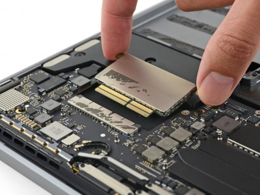 Teardown 13 MacBook Pro 2016 SSD