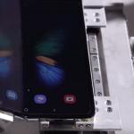 Wie lange hält ein Smartphone mit klappbarem Display?